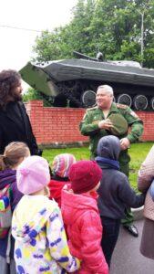 Встречал нас в училище и показал свою 1 роту полковник Ростислав Иванович Ракитин.