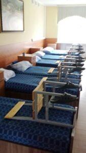 Так выглядит уголок спальни суворовцев. Комната на 80 человек. В ней царит строгий порядок. На заправку кроватей воспитанники имеют всего несколько секунд.