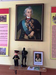 Выдающийся русский полководец Александр Васильевич Суворов со своих портретов строго наблюдает за жизнью роты.