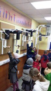Небольшой спортивный зал для суворовцев,где наши первоклассники опробовали все тренажёры и снаряды.